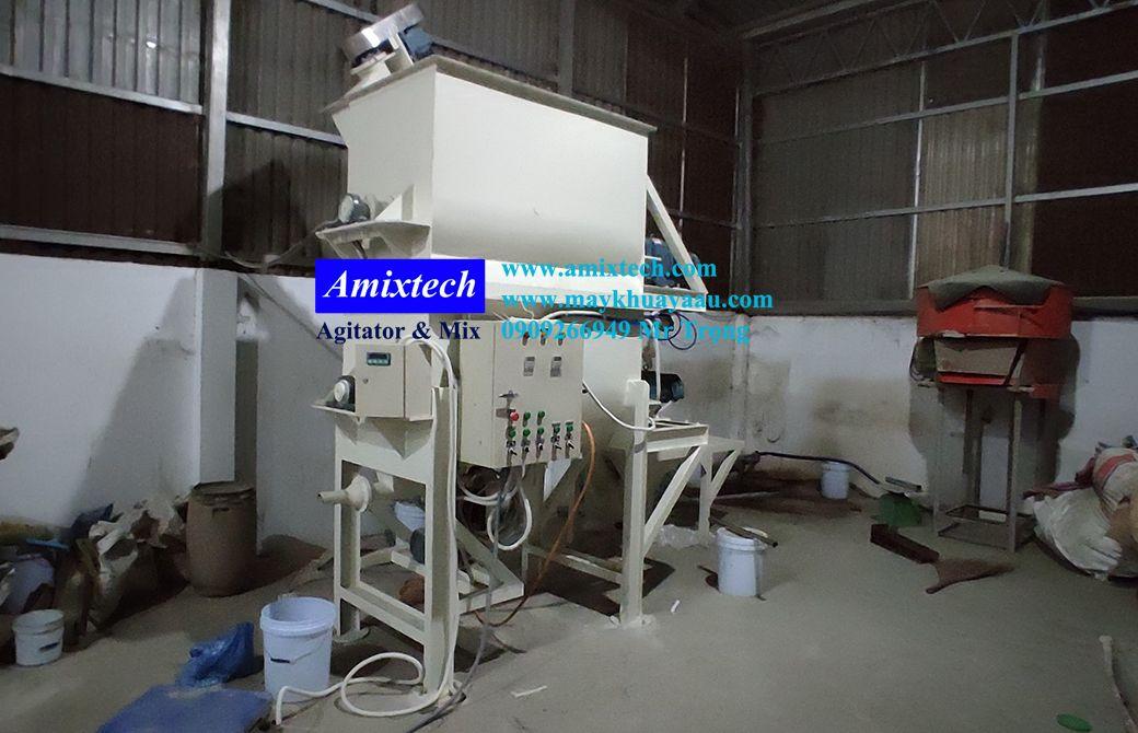 máy trộn bột trét 2 tầng 500 lít