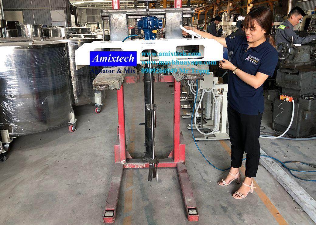 máy khuấy khí nén thùng ibc 1000 lít