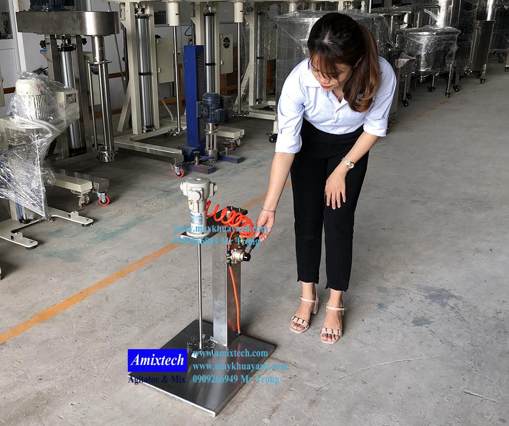 máy khuấy khí nén nâng hạ 20 lít