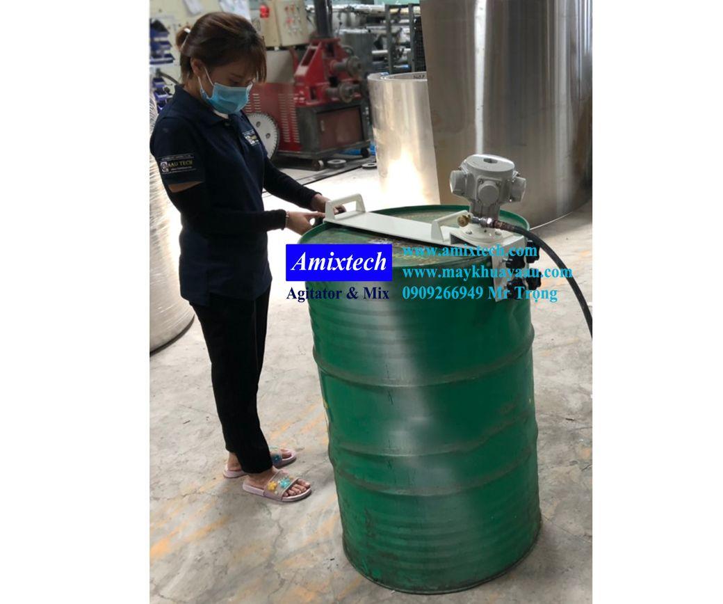máy khuấy khí nén gắn lỗ thùng phuy sắt