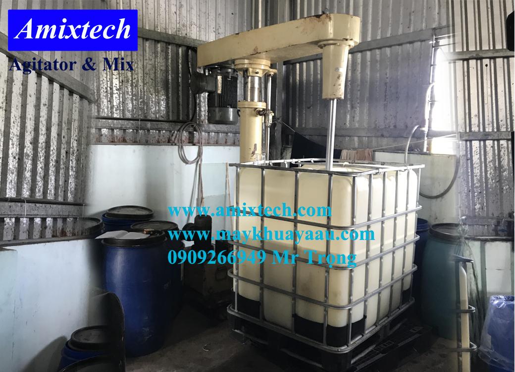 máy khuấy thùng ibc công nghiệp